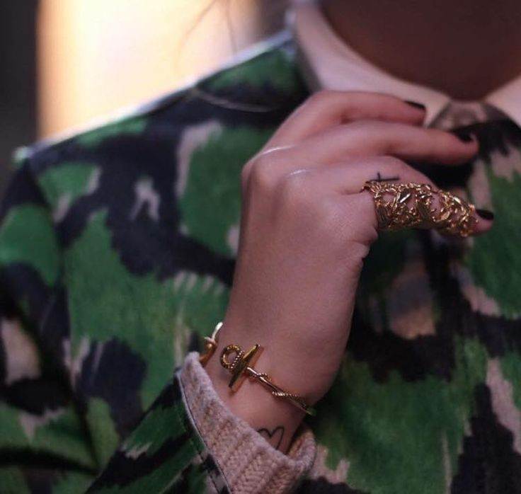 Details 5 Day MFW  Armor Ring and Anchor Bangle ⚓️ Thanksss Silvia www.miasiatly.it