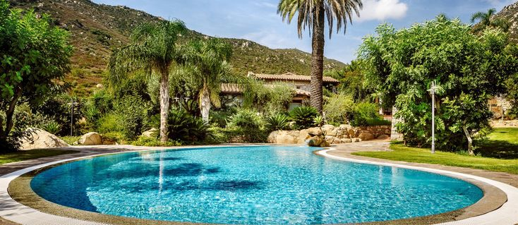 Hotel  Vacanze al mare Villasimius Cruccuris Resort Sardegna http://www.cruccurisresort.com/piscine-tropicali.html