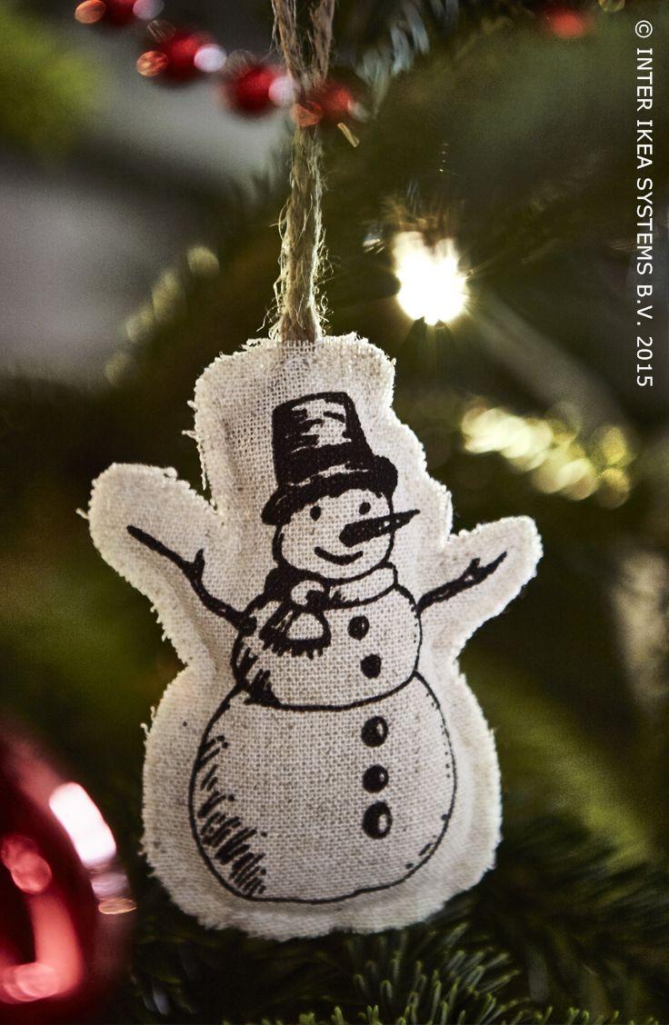 Cette année pour votre décoration du sapin de Noël, que diriez-vous d'échanger les boules contre un bonhomme de neige ? Ornements VINTER  #IKEABE