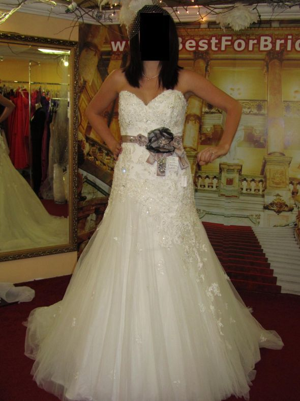 Will a fitted dress truly look very different from the sample? : wedding marielena sophia tolli jillian Bee1