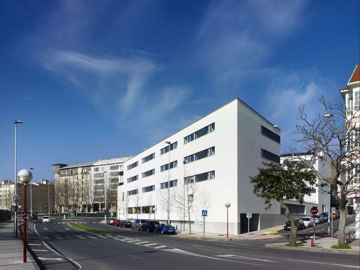 Abalo Alonso Arquitectos - 43 Viviendas Para Jóvenes y Mayores y Centro de Día, Ferrol, A Coruña