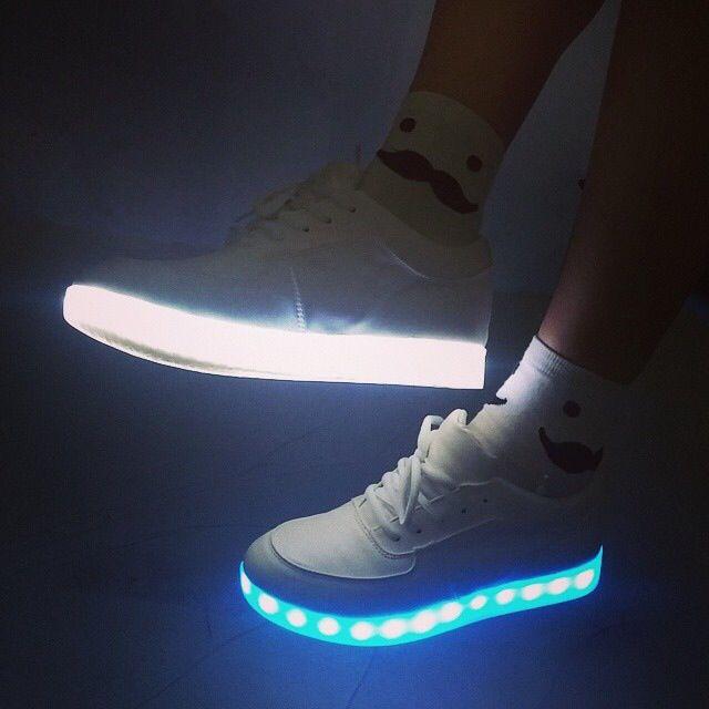 587cc4db62e6 ... amazon nike light up shoes coffee dabca 9abd4