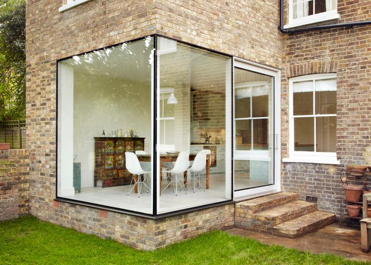 Cousins and Cousins add glass and brick extension to a London home