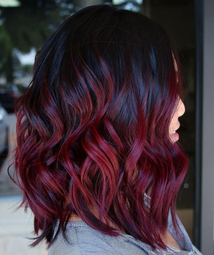 Mechas vermelhas: ideias e tutoriais para arrasar na cor do cabelo | Wine hair, Hair dye tips, Burgundy hair dye