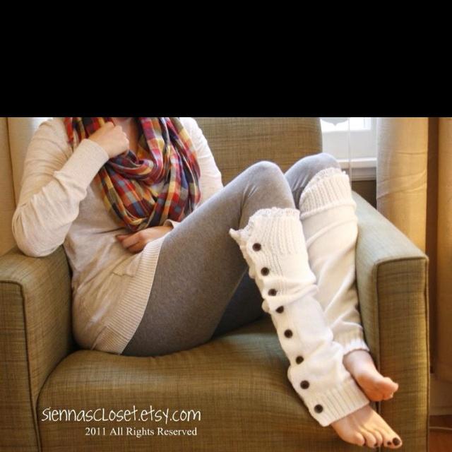 I love miss mollys -- I had never seen these before, look cute! ...modern leg warmers!  lol  slp