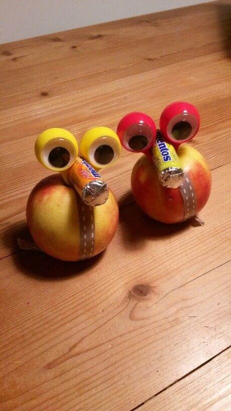 Appel, lintje, wiebeloogjes en een snoepje.