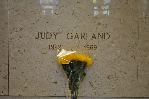 Judy Garland Born Jun. 10, 1922 in Grand Rapids, Minnesota, Died on Jun. 22, 1969 in Chelsea Royal Borough of Kensington and Chelsea Greater London, England Buried at Ferncliff Cemetery and Mausoleum in Hartsdale, New York Plot: Unit 9, Alcove HH, Crypt 31