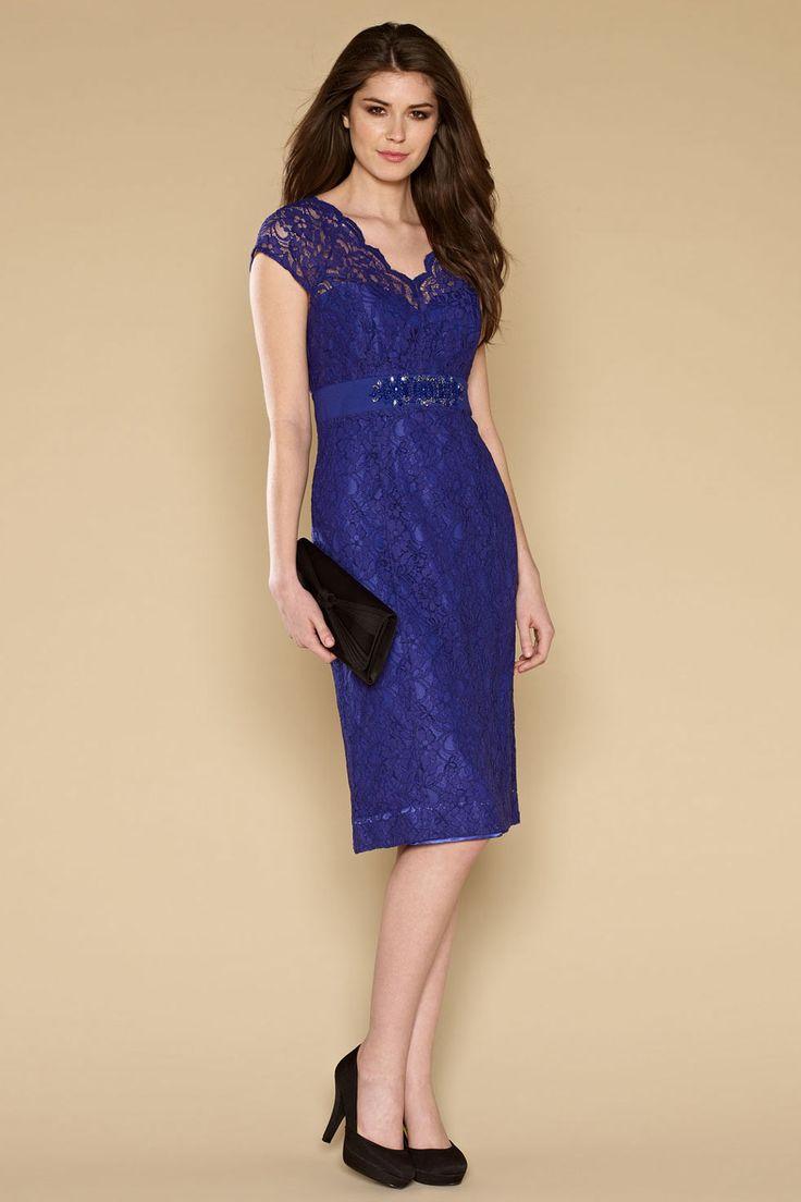 17 meilleures id es propos de robes de soir e violet sur. Black Bedroom Furniture Sets. Home Design Ideas
