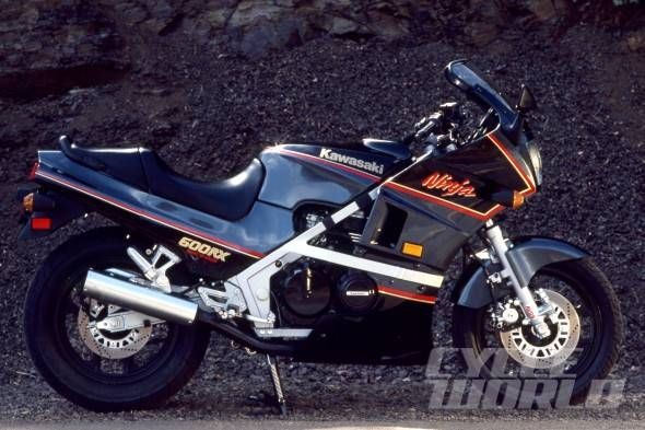 1986 Kawasaki Ninja 600RX 590x393 30 Years of Ninjas, Part 1: 1984 GPz900 Ninja to 1990 ZX 11! Forget the Pinta and the Santa Maria: It was the Ninja that delivered us to the New World.