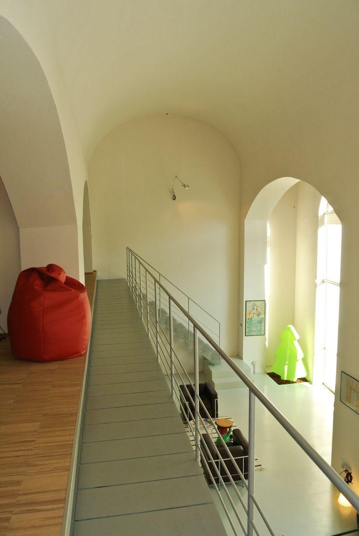 Il nostro studio si colloca al piano terra dell'edificio, in prossimità della fermata della TEB di Alzano Sopra. #interior #architettura #loft