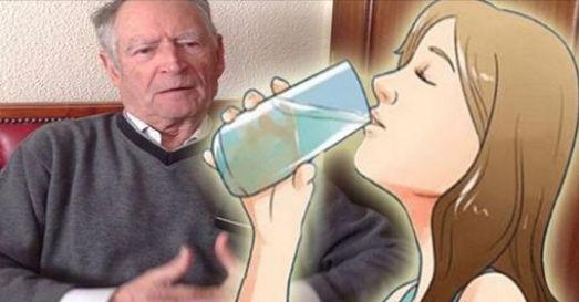 """Presidente Jubilado de una farmacia dijo: """"El Mundo necesita saber, que el agua alcalina Mata el Cáncer"""".. Aquí está cómo prepararla!!"""