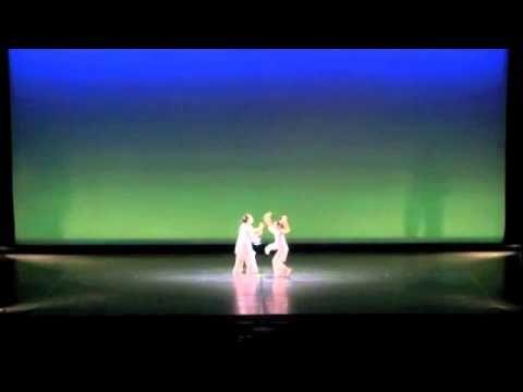山本洋子主宰ダンススタジオpep 5th concert Alice. 生徒全員によるさくら。モダンダンス作品。  Choreographed by Yoko Yamamoto, head of dance studio pep. theme of this modern dance piece is cherry blossom.