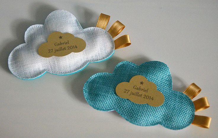 ballotins de dragées nuages turquoise et or pour baptême personnalisé