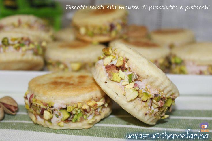 Biscotti salati alla mousse di prosciutto e pistacchi