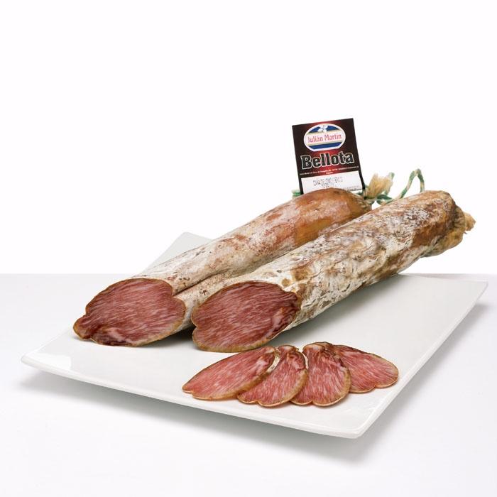 LOMO IBERICO DE BELLOTA proveniente de cerdos ibericos alimentados con bellotas y curados durante 5-6 meses en Guijuelo