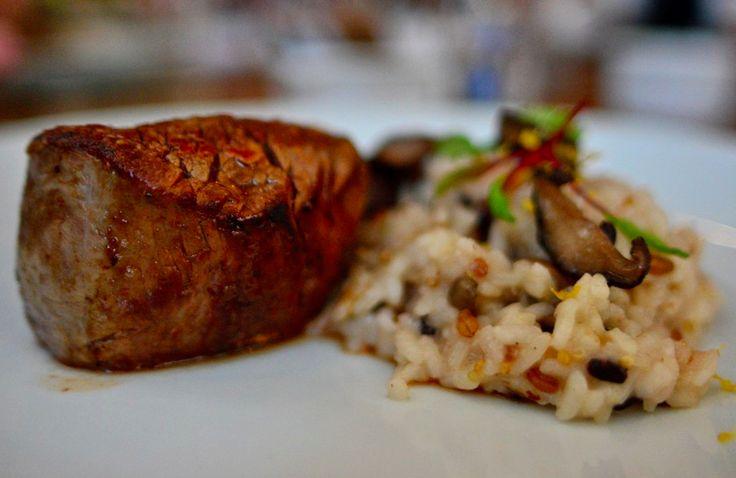 Ingredientes selecionados, técnicas europeias e inspirações brasileiras. Assim é a experiência gastronômica no D.MZ Cozinha Criativa. (Porto Alegre, RS, Brasil)