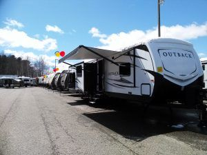 It's that time of year! The RV Camper Dealers are starting to have their open houses! Oh, what fun it is! https://thecampinggypsy.com/rv-camper-dealers