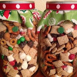 Easy christmas snack mix recipes