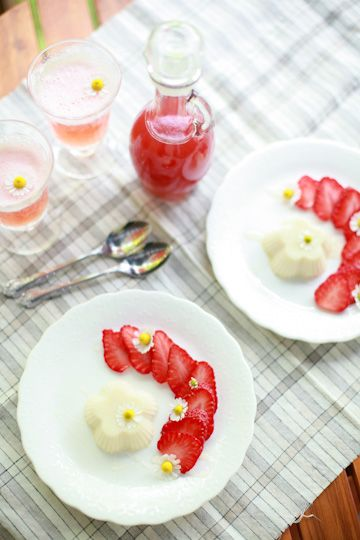 Strawberries With Chamomile Cream Recipe — Dishmaps