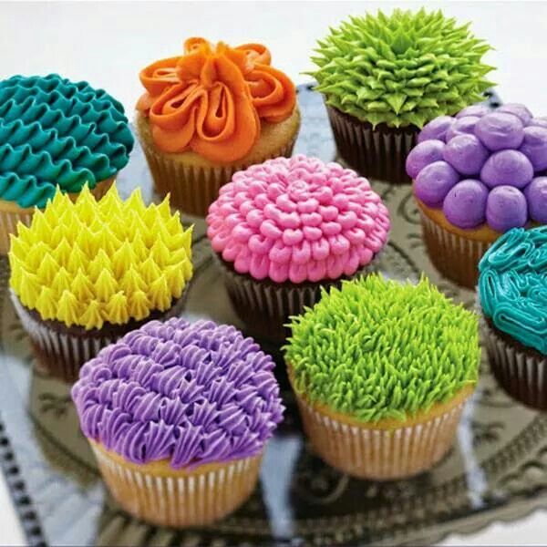 300 best images about cakes techniques butter cream royal icing on pinterest cupcakes - Creme decoration cupcake ...