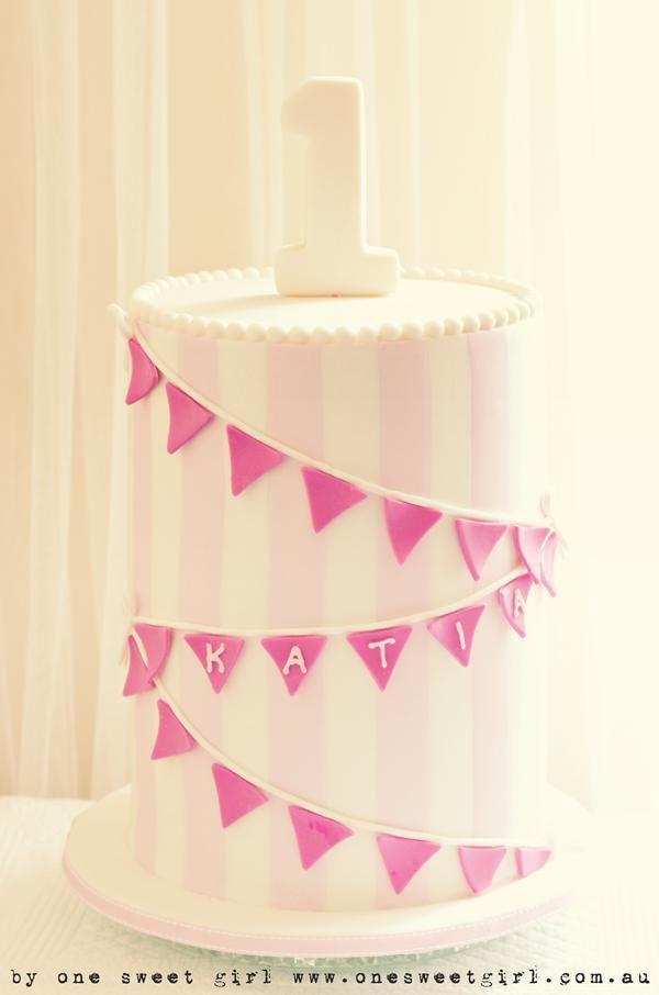 one sweet girl cake, pink stripe cake, pink bunting cake