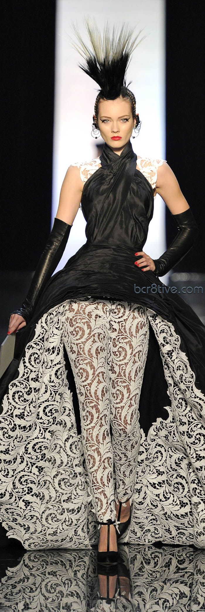 Jean Paul Gaultier Haute Couture Spring Summer 2011. Top detail.