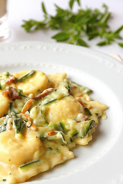 Ravioli alla ricotta di bufala con zucchine, prosciutto crudo e mascarpone