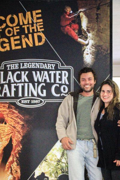 A empresa Legendary Black Water Rafting nos levou a uma incrível expedição subterrânea chamada Abismo Negro!