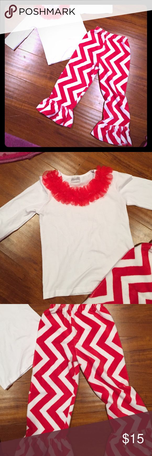 Girls 4t outfit🎄🎅🏼 Only worn once super cute fury comfy  chevron pants with cute fluffy shirt. Perfect for the upcoming Holidays😊🎄🎅🏼 Matching Sets
