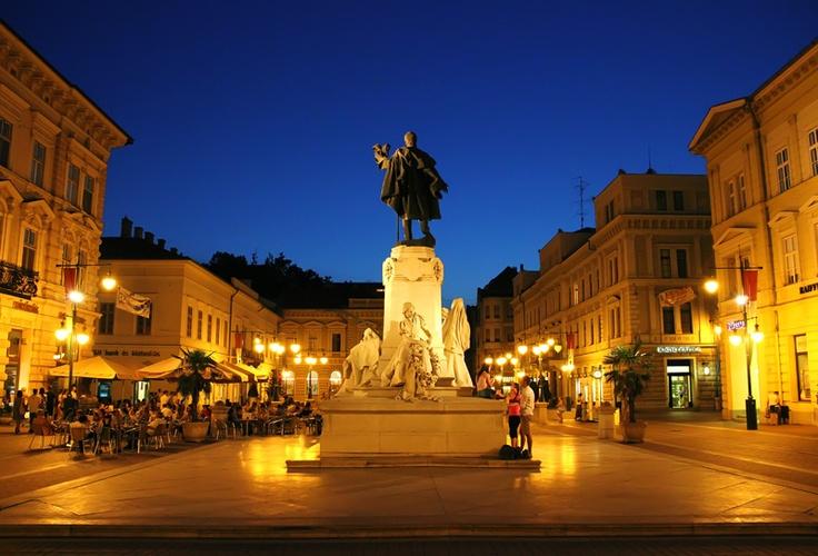 Szeged, Klauzál square by @balage83
