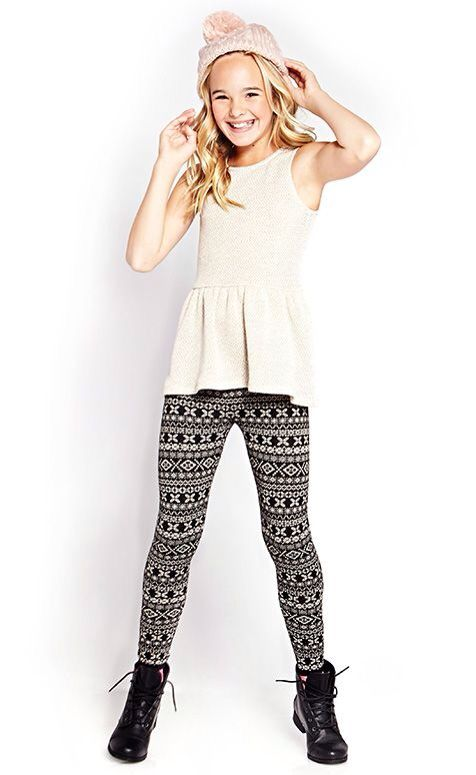 I really like this outfit! I don't really own pants like that, but would be willing to try them.