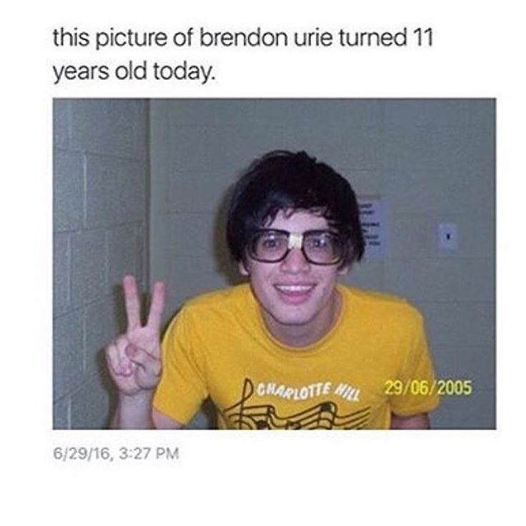 Wallpaper Fall Out Boy He S Actually Robbie From Victorious Emo Bands Music