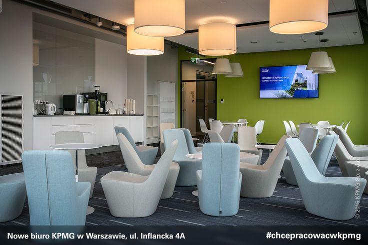 Przestrzeń nowego biura KPMG w Warszawie została zaprojektowana zgodnie z najnowszymi trendami aranżacji powierzchni biurowych. Obok elementów wyposażenia dostarczonych przez czołowe polskie firmy znalazły się meble uznawane za klasyki designu, zaprojektowane przez światowych twórców.#design #KPMG #kpmgwwarszawie #kpmginwarsaw #nowebiuro #newoffice #inflancka #chcepracowacwkpmg #kariera #praca