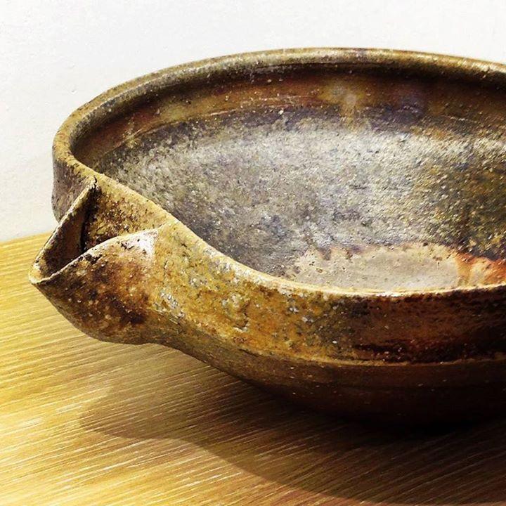 ジェイムスイラズムスさん作の大鉢ですジェイムスイラズムスイラズムス千尋 二人展は12日日まで下北沢店16日木から名古屋店で開催です
