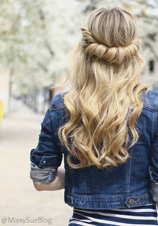 Relaxed curls with a twist.