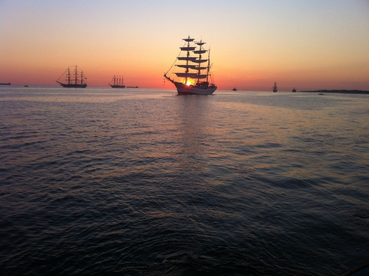 Tall ships stage off the lynnhaven fishing pier early for Lynnhaven fishing pier