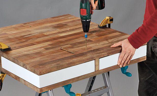 die besten 17 ideen zu couchtisch mit schublade auf pinterest pallet desk glasglocke und. Black Bedroom Furniture Sets. Home Design Ideas