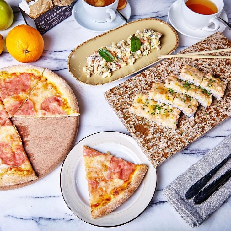 Каждый будний день ресторан Кукумбер приглашает на самые аппетитные обеды! С 13:00 до 16:00 наши повара будут радовать вас специальным обеденным предложением из двух или трех блюд на выбор. Ассортимент не оставит вас равнодушным ведь меню включает в себя русскую итальянскую и японскую кухни! Адрес: пр. Космонавтов 14 ТРК Радуга атриум 2 этаж; телефон: 7 (812) 640-16-16 #ginzaproject #ginzaprojectspb #ресторанкукумбер by ginzaprojectspb