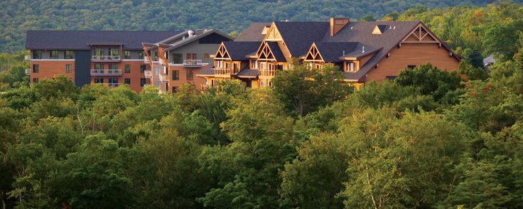 Jay, VT - Jay Peak Resort features a year-round indoor waterpark, ice arena, championship golf course and, of course, skiing and snowboarding. There is also a wide range of accommodations, restaurants and pubs.