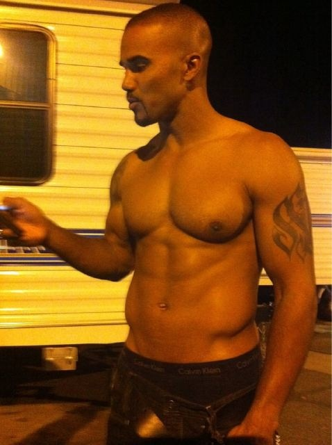 shirtless Shemar Moore! <3 <3 <3