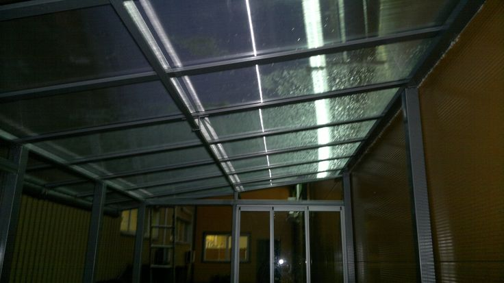 Poliwęglan na konstrukcji stal, aluminium