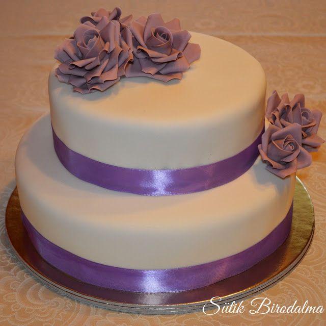 SÜTIK BIRODALMA: Rózsás emeletes fondant torta