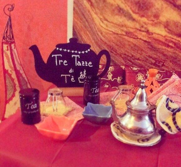 Il piano da lavoro della tea sommelier