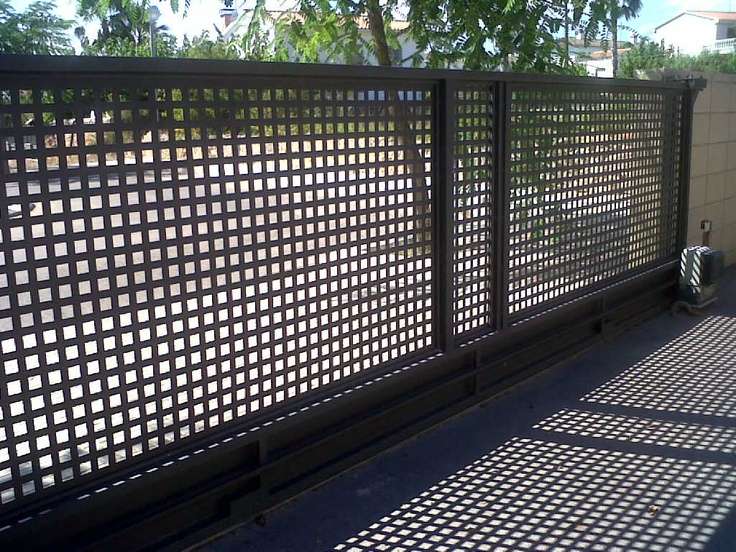17 mejores ideas sobre rejas para jardin en pinterest for Puerta corredera exterior jardin