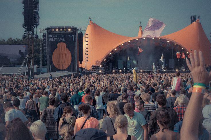 ROSKILDE FESTIVAL #Roskilde  La petite ville danoise à 35 km de Copenhague devient au début de mois de juillet la scène de cet événement musical riche de grands noms d'artistes et de jeunes groupes émergents des genres rock, pop , soul , hip hop , musique electronique et R&B.  OÙ : Roskilde (Danemark)  QUAND : du 27 juin au 4 juillet