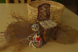 Socha - mačka so stoličkou. - 7778842_