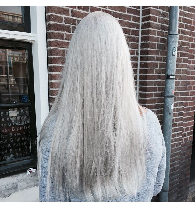 Platinum blonde by Lize @ Salon B, Alkmaar NL