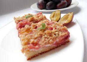 Fotografie článku: Recept na švestkový koláč s tvarohem krok za krokem