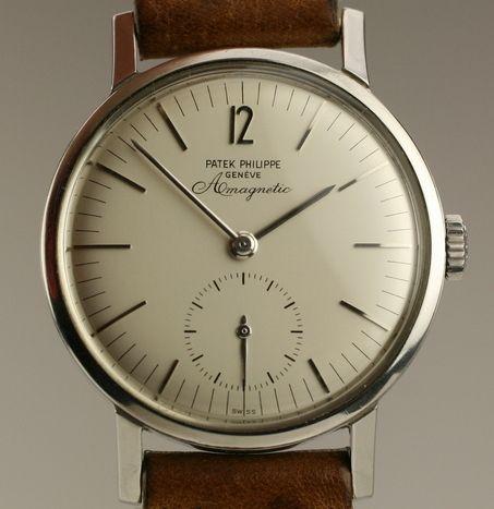 Vintage Patek Philippe Amagnetic. So simple, so perfect.