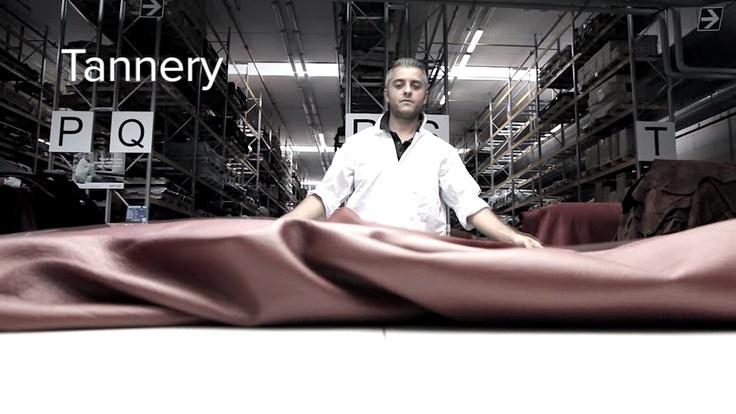 Il Gruppo #Natuzzi controlla il 92% delle #materie #prime e dei semilavorati destinati alla produzione acquistandoli direttamente dai mercati di approvvigionamento e trasformandoli in #stabilimenti produttivi specializzati nella lavorazione delle pelli, delle strutture portanti in legno o metallo, delle imbottiture e dei prodotti finiti.